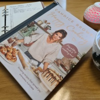 Book Friday: Happy Cooking by Candice Brown (Easy uplifting meals and comforting treats)